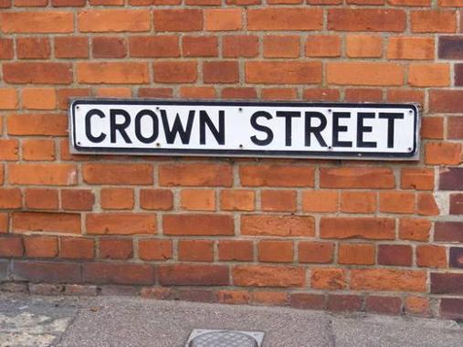 Image of a street nameplate